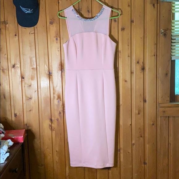 1s12qfeav6nkvm,Open Back Short Sleeve Lace Wedding Dress